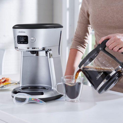 Brewing drip coffee using electric coffee machine